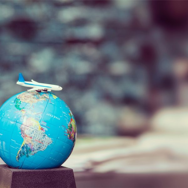 how to be a more conscious traveler